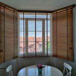 instalación de venecianas de madera en mirador