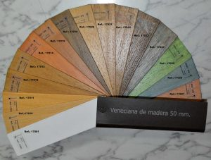 Catalogo veneciana de madera.